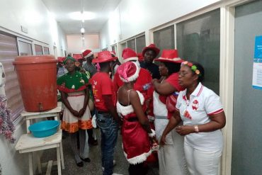 Matthew 25 House feeds over 1000 on Christmas day - Matthew 25 House has fed over 1000 people on Christmas day